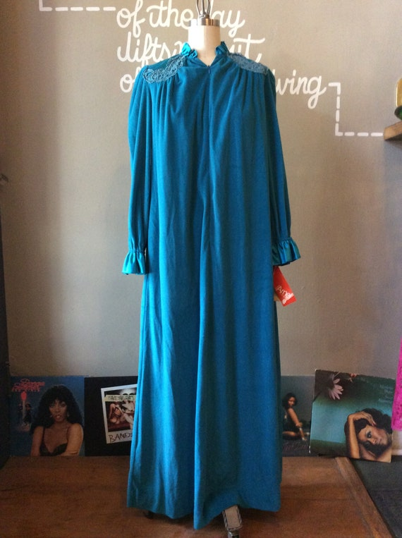 1960's Glamorous Velour Housecoat - medium / large