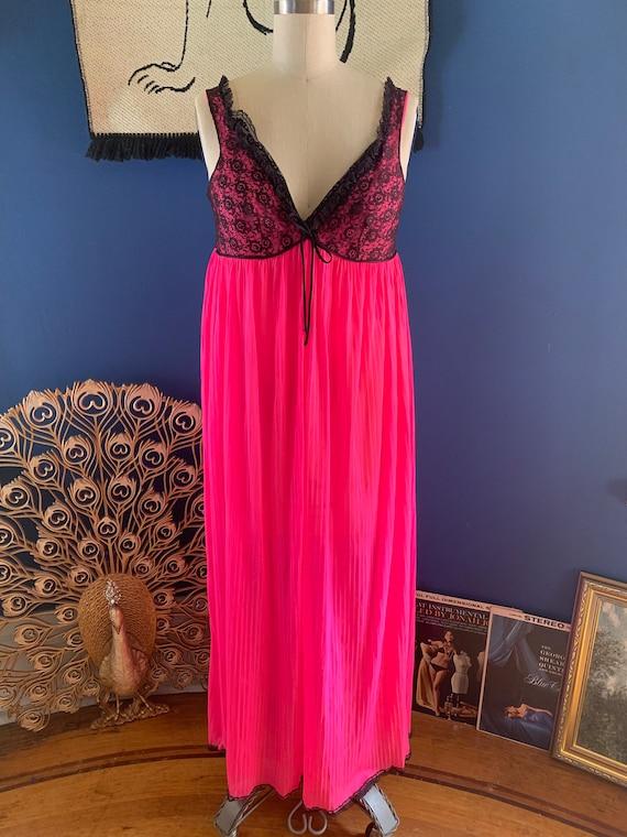 1950s Bright Romance Nightgown - small / medium
