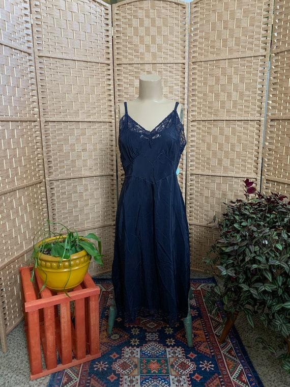 1930's Romantic Slip Dress . Seamprufe .- medium