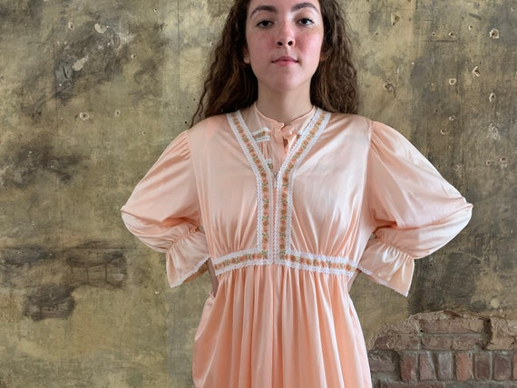 1970s Peach Dream Pyjamas - medium / large / volup