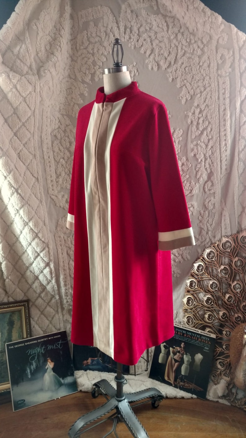 volup  extra large 1950s Vanity Fair Housecoat