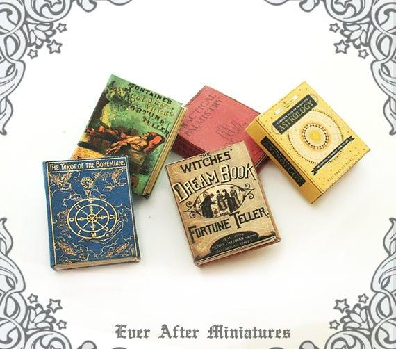 1:12 SCALE MINIATURE GOLDEN BOOK PETER PAN DOLLHOUSE SCALE