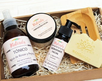 Natural cosmetics gift pack, soap, almond cleaner, lotion, moisturizing cream, bamboo soap dish