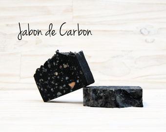 Jabón natural de Carbón activado.