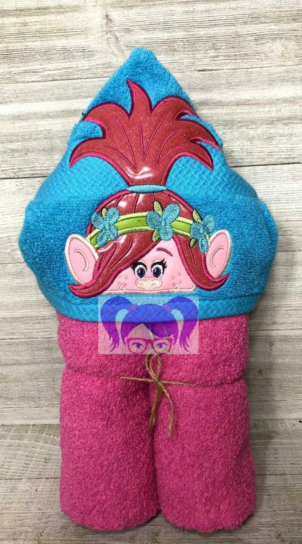 Princess Poppy Princess Poppy Hooded Towel Trolls Hooded image 0