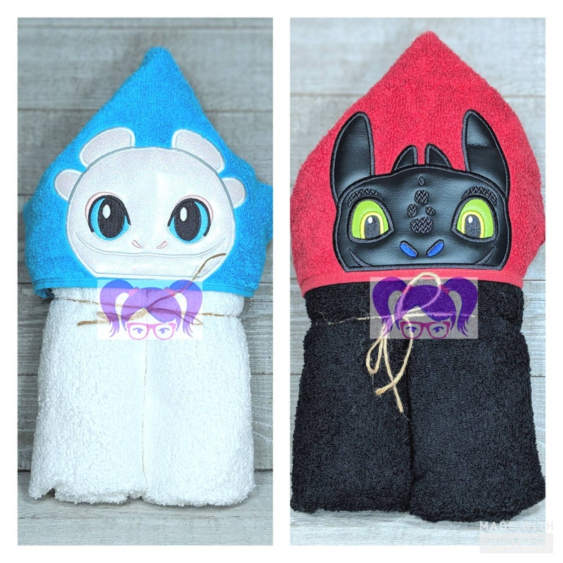 Toothless Hooded Towel Hooded Towel How to Train Your Dragon image 0
