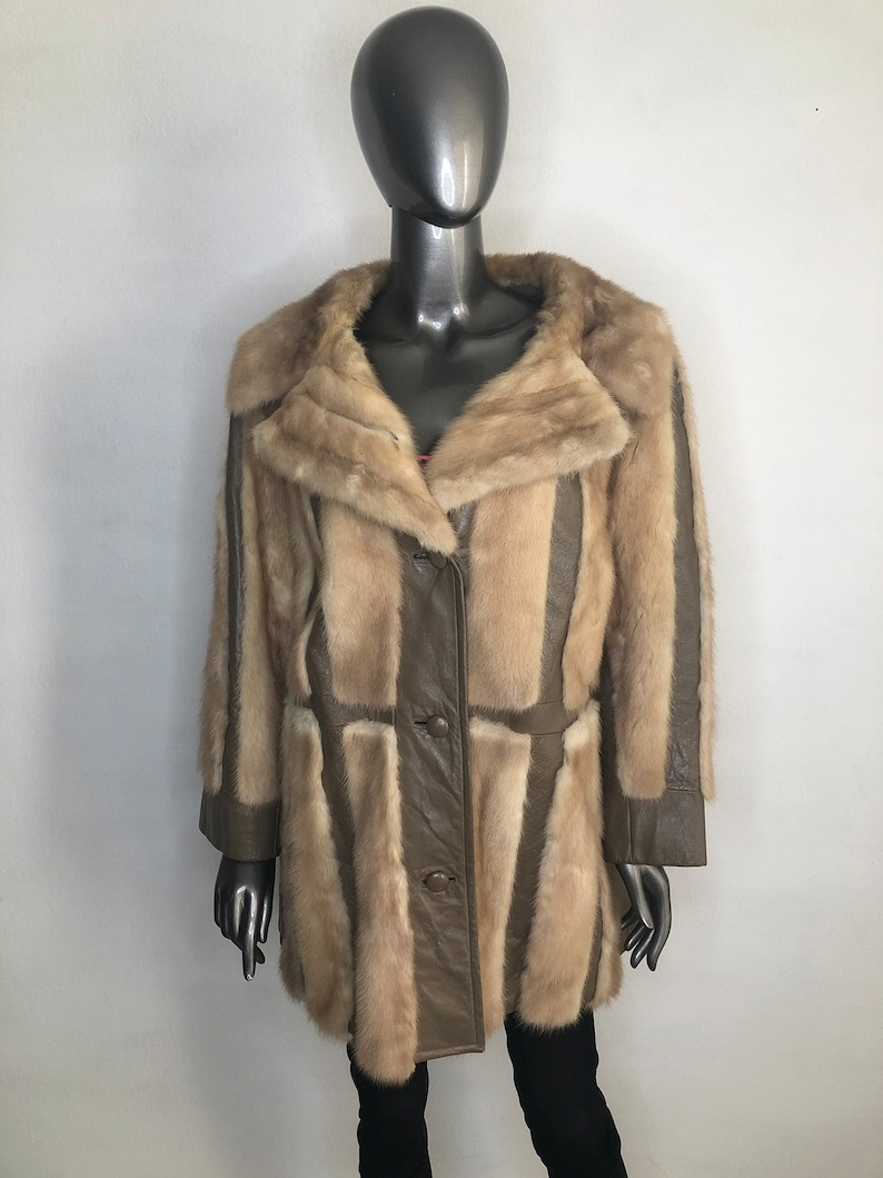 5d639b7f9 Mink Fur Coat Beige Women's long fur coat with leather inserts, with big  collar, warm fur coat, the women's size is large .