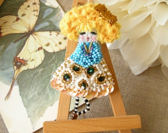 Goldilocks brooch Doll Bead embroidery Little doll Brooch girl with gold hair Beaded brooch Childrens Jewelry Mini doll Unique Brooch doll