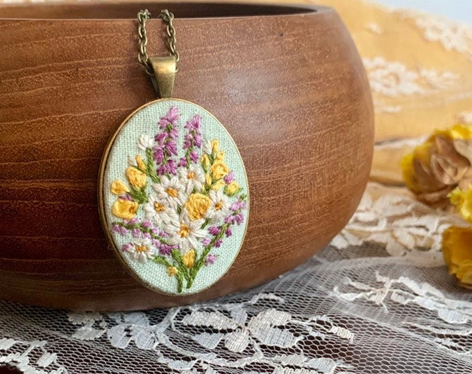 Hand Embroidered Daisy Pendant Necklace, wildflowers