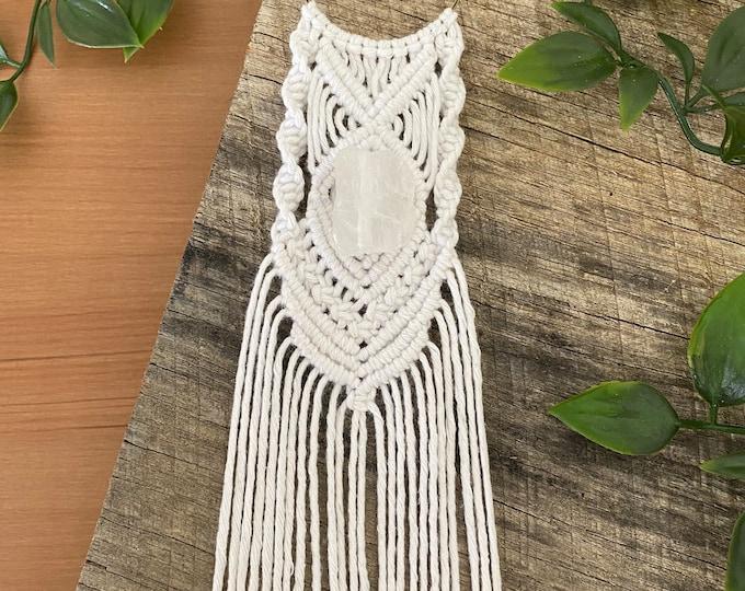 Handmade Macrame Necklace with raw quartz stone