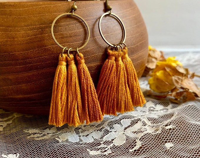 Handmade ombré tassel earrings, bronze, camel