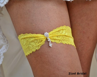 a28567d33 Bright yellow garter