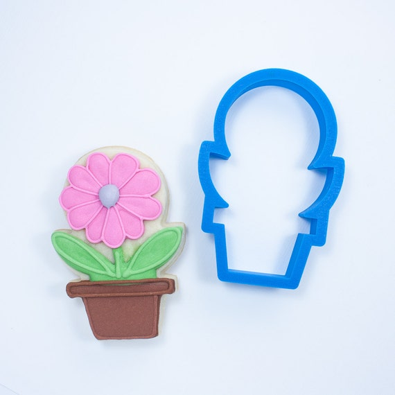 Plant in Pot Cookie Cutter