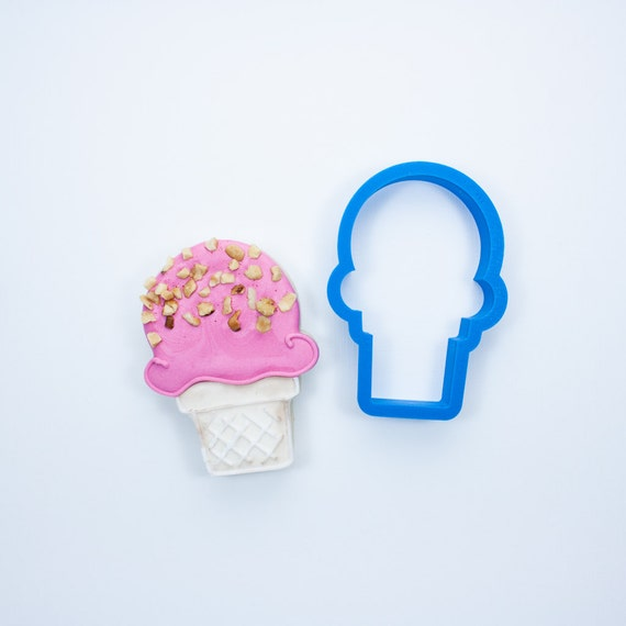 Ice Cream Cone Cookie Cutter (Cake Cone)