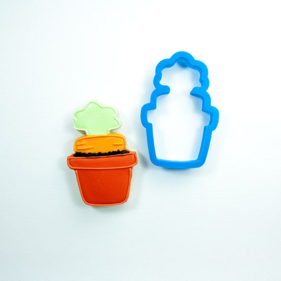 Carrot in Flower Pot Cookie Cutter