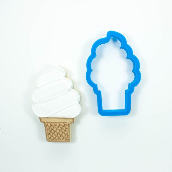 Ice Cream Cone Cookie Cutter (Soft Serve)