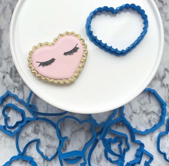 The Flour de Lis Scalloped Heart Cookie Cutter