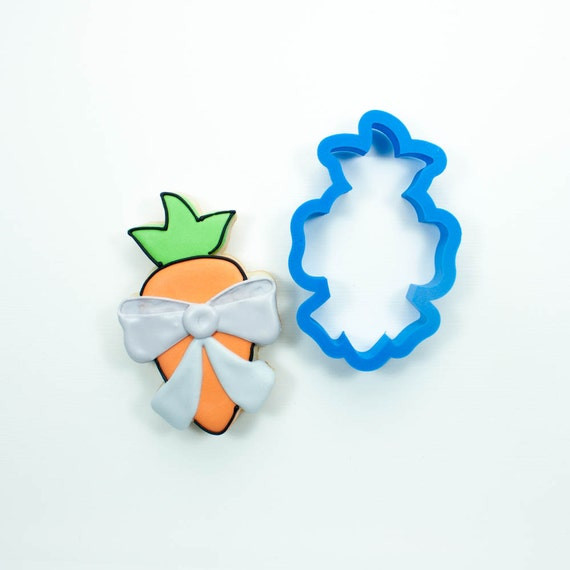 Carrot with Bow Cookie Cutter
