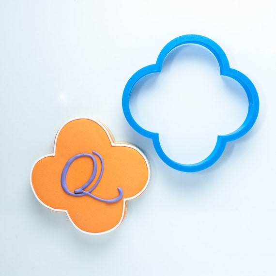 The Quatrefoil Plaque Cookie Cutter