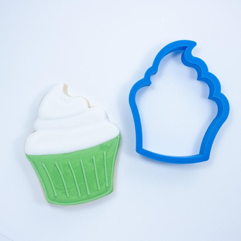 Cupcake Cookie Cutter Birthday Cake