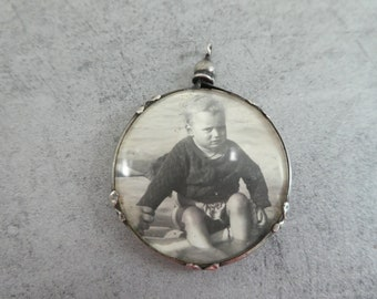 Antique Vintage Picture Photo Locket Circular Glass Window French  Noughts And Crosses Frame Hallmarked Silver