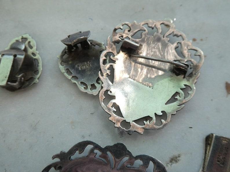Vintage Brooch Bracelet Earrings Job Lot Siam Silver 6 Pieces Niello Enamel Jewellery Heart Shape Pin Back Earrings Link Bracelet