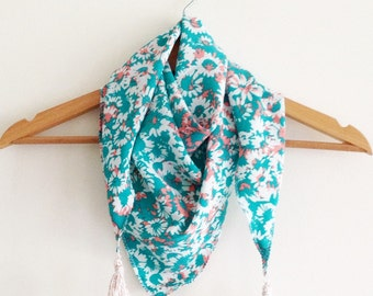 Customizable child scarf. great format.pompons wool. for boy and girl. standard size.