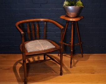 Arts and Crafts English Oak Hallway / Corner Tub Chair Read Shipping info