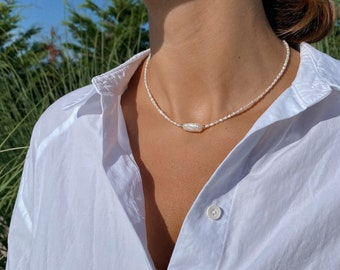 14K Solid Gold Freshwater Pearl Necklace. Dainty Pearl Choker. Anniversary Gift. Gift For Her.
