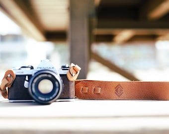 Personalized Camera Strap - Tan Leather Camera Strap for DSL/SLR camera, DSLR Camera Strap. Canon camera strap. Nikon camera strap.
