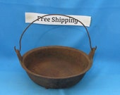 Vintage Antique VERY OLD Cast Iron Kettle Gate Mark, Skillet, bail handle free shipping
