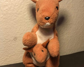 4b378d1b72f Pouch Kangaroo RARE retired TY beanie baby  NO star on tush tag  P.V.C 1996  errors-used
