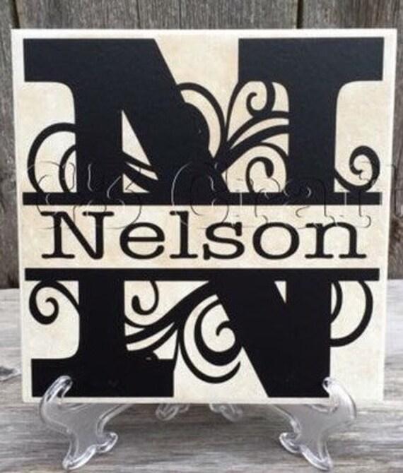 nom de famille tuile tuile d corative pendaison de cr maill re cadeau de mariage cadeau de. Black Bedroom Furniture Sets. Home Design Ideas