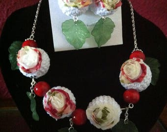 """Set """"Necklace and earrings ROSA"""" in Croche"""