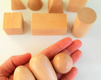 10 figures in natural varnished wood - 10 varnished Wooden figures - toys from wood-Holzspielzeug - jouets in bois - Montessori toys