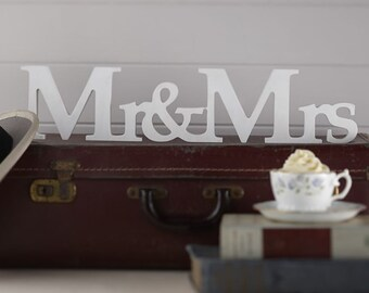 The Panel Mr & mrs white wood
