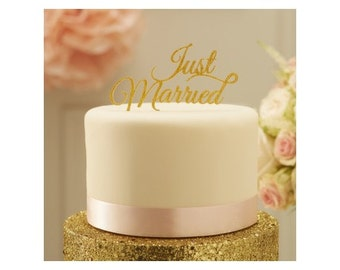 Figure Just married color gold