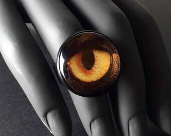Adjustable Alice in WastelandS post apocalyptic statement dragon eye fingerring.