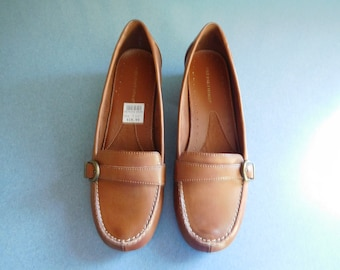 673278c96123cc Medium Brown Slip On Loafers by Predictions Size 7 1 2 Never Worn