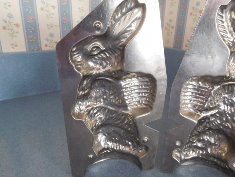 Rabbit with Basket #307 by Weygandt Vintage Metal Candy Mold