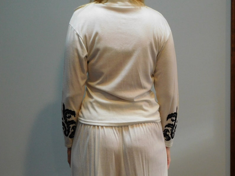 Vintage 1990/'s Fredericks of Hollywood Two Piece White Lounge Wear Set with Black Design Size Large Used