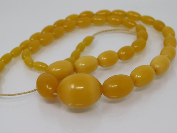 honey-colored bakelite pearl necklace