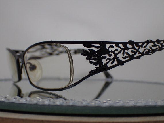 glasses, lace
