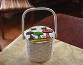 Vintage British Hong Kong Mushroom Round Basket weave wooden Carryall purse