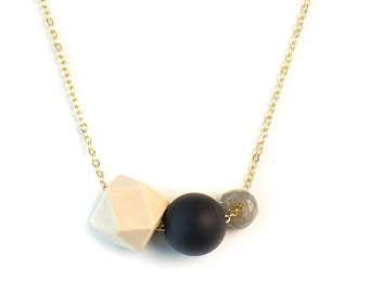 MEREDITH Aromatherapy Necklace Gift Set // Gemstone, Black Agate  & Wood Diffuser Necklace (Gold) with Essential Oil Blend of your choice