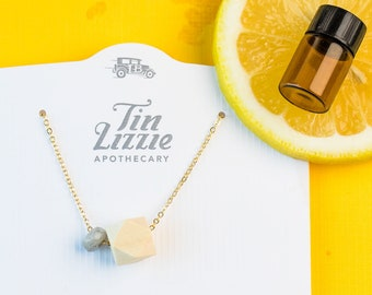 MOLLY Aromatherapy Necklace Gift Set // Gemstone & Wood Diffuser  Necklace (Gold) with Essential Oil Blend of your choice