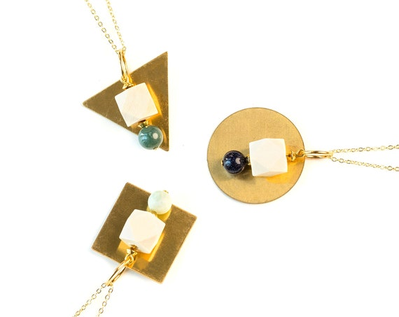 ELEANOR Round Gemstone, Wood & Brass Pendant Diffuser Necklace