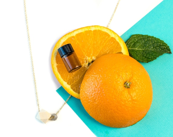 MOLLY Gemstone & Wood Diffuser Necklace (Gold)