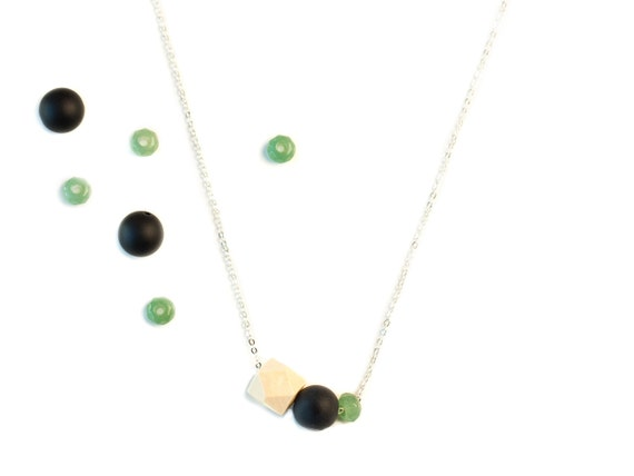 MEREDITH Gift Set - Diffuser Necklace (Silver) with Essential Oil Blend