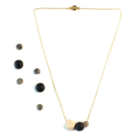 MEREDITH Gemstone, Black Agate & Wood Diffuser Necklace (Gold)